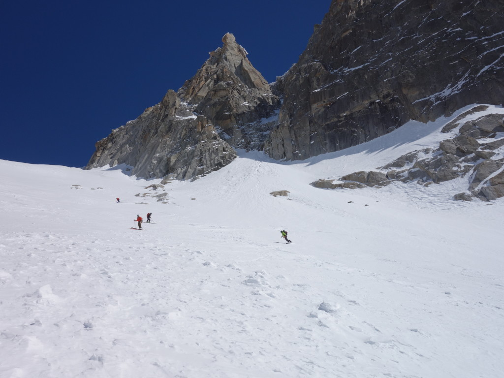 Making our way down from the Col du Chardonnet (photo credit: A. Bayol)